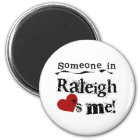 Iemand in Raleigh Magneet