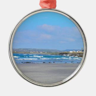 Ierse beachs zilverkleurig rond ornament