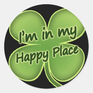 Ik ben in Mijn Gelukkige Plaats Ronde Stickers