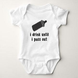 ik drink tot ik uit babyoverhemd overga romper