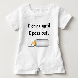 Ik drink tot ik uit grappig babykruippakje overga romper