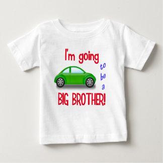 Ik ga een t-shirt van de grote broerauto zijn