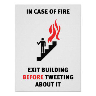 In het geval van brand, ga de bouw weg alvorens te poster