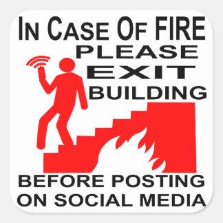 In het geval van Brand te gaan gelieve voordien Vierkante Sticker