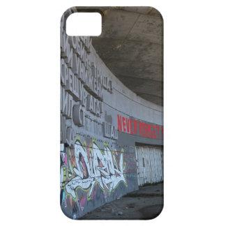Ingang aan Buzludzha, Balkan Bergen, Bulgarije Barely There iPhone 5 Hoesje