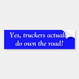 Ja, bezitten de vrachtwagenchauffeurs daadwerkelij bumpersticker