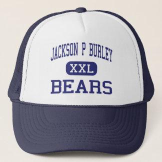 Jackson P Burley draagt Charlottesville Trucker Pet