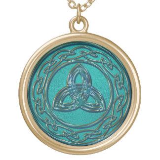 Jade en de Keltische Knoop van het Wiel en van de Goud Vergulden Ketting