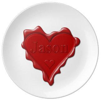 Jason. De rode verbinding van de hartwas met naam Porselein Bord