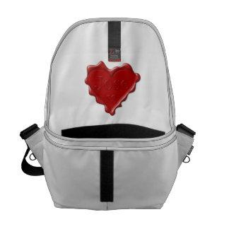 Jose. De rode verbinding van de hartwas met naam Messenger Bag