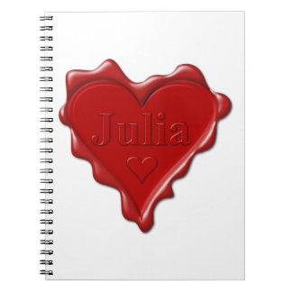 Julia. De rode verbinding van de hartwas met naam Ringband Notitieboek