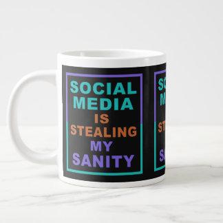 """Jumbomok de grappige van """"Sociale Media"""" Grote Koffiekop"""