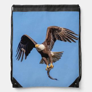 Kaal Eagle met een vis Trekkoord Rugzakje