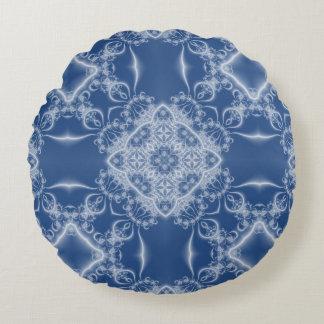 Kanten wit en blauw fractal patroon rond kussen