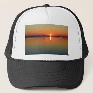 Kayaking bij zonsondergang trucker pet