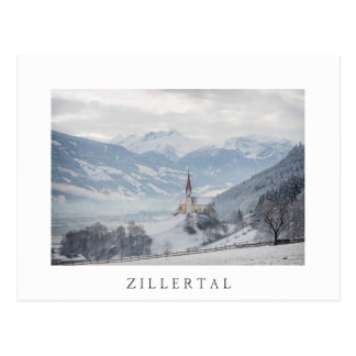 Kerk in Zillertal in briefkaart van de de winter