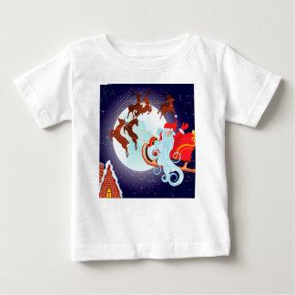 Kerstman die de Ar van Kerstmis berijden bij Nacht Baby T Shirts