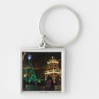 Kerstmis bij Zilveren Stad 2 van de Dollar Zilverkleurige Vierkante Sleutelhanger