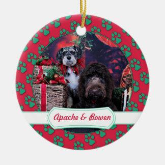 Kerstmis - Schnauzer Apache - Bowen LabraDoodle Rond Keramisch Ornament