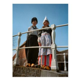 Kinderen in Nederlands Nationaal Kostuum Briefkaart