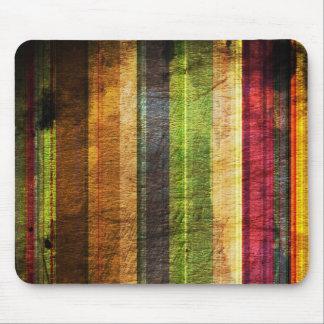 kleuren strepen op houten patroon muismat