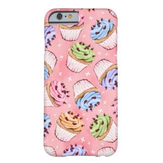 Kleurrijk Berijpt Patroon Cupcakes Barely There iPhone 6 Hoesje