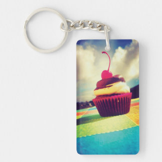 Kleurrijke Cupcake met Kers op Bovenkant 2-Zijde Rechthoekige Acryl Sleutelhanger