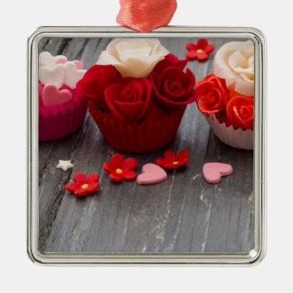 kleurrijke cupcakes zilverkleurig vierkant ornament