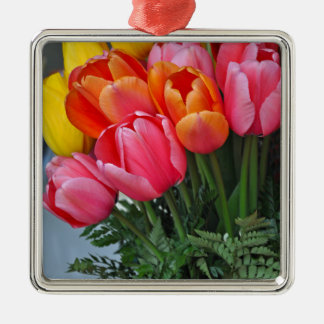 Kleurrijke de lentetulpen zilverkleurig vierkant ornament