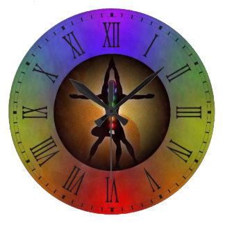 Kleurrijke Yoga Zeven het Saldo van Chakras Yin Grote Klok