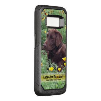 Knappe Chocolade Labrador in het Flard van de OtterBox Commuter Samsung Galaxy S8 Hoesje