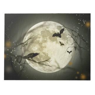 Knuppels door de Maan op Halloween Notitieblok