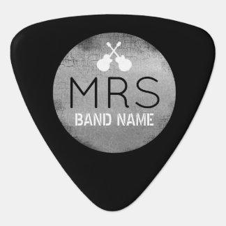 koel monogram met gitaristinitialen plectrum
