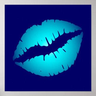 Koele Blauwe Kus Poster