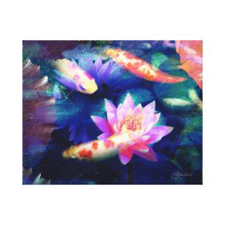 Koi in lotusbloemvijver canvas print