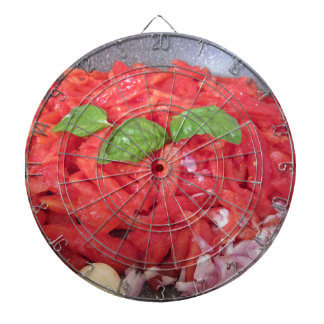 Kokende eigengemaakte tomatensaus dartbord