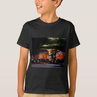 Krachtige locomotieven klaar te vervoeren t shirt