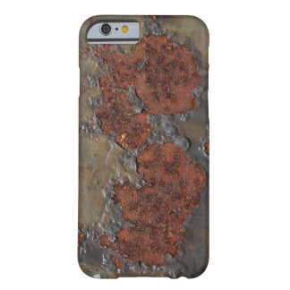 Kuiltjes gemaakte in de roesttextuur van Faux Barely There iPhone 6 Hoesje