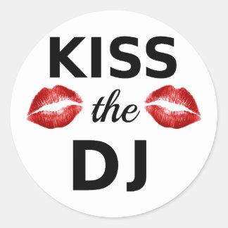 Kus DJ met rode lippenstiftsporen Ronde Sticker