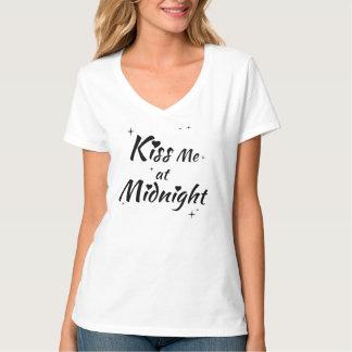 Kus me bij de T-shirt van de Middernacht