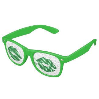 Kus me ik ben Ierse Groene St Patrick van de Pret Retro Zonnebril
