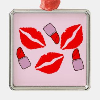 kussen en lippenstiften zilverkleurig vierkant ornament