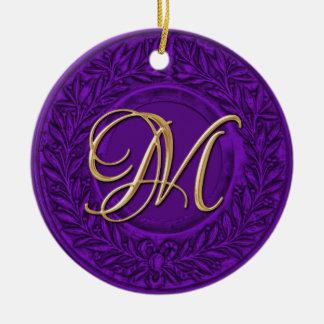 Lauwerkrans met Gouden Monogram in Paars Rond Keramisch Ornament