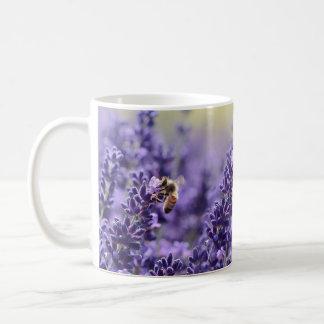Lavendel en de Mok van Bijen