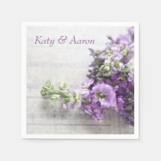 Lavendel-gekleurde bloemen op oude muziek wegwerp servetten