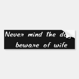Let nooit op de Sticker van de Bumper van de Hond