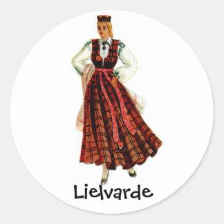 Lets regionaal kostuum voor Lielvarde Ronde Stickers