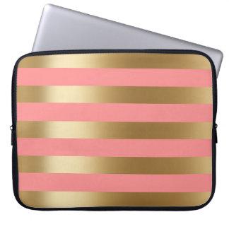 Leuk Koraal en Gouden Streep Laptop Sleeve