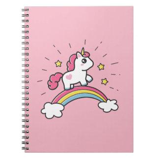Leuke Eenhoorn op een Ontwerp van de Regenboog Notitieboek