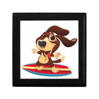Leuke grappige hond op een surfplankillustratie decoratiedoosje